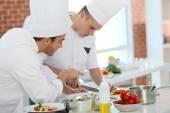 Fotografie Šéfkuchař školení studentů v kuchyni