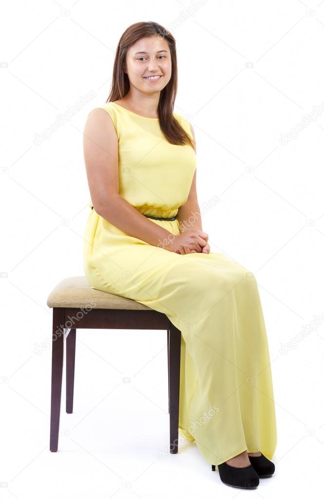 фото сидящих на стуле женщин