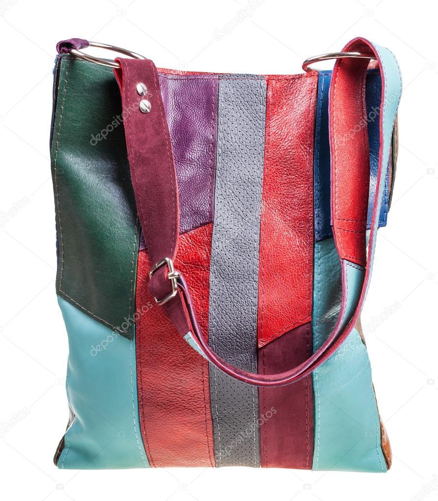491cf7758c2d Прямой вид на плечо сумка из кусочков разноцветные кожа, изолированные на  белом фоне — Фото автора ...