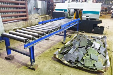 two-column band saw machine with feeder