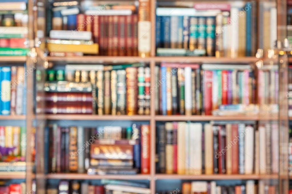 https://st2.depositphotos.com/1077338/8192/i/950/depositphotos_81926986-stockafbeelding-intreepupil-achtergrond-van-boeken-in.jpg