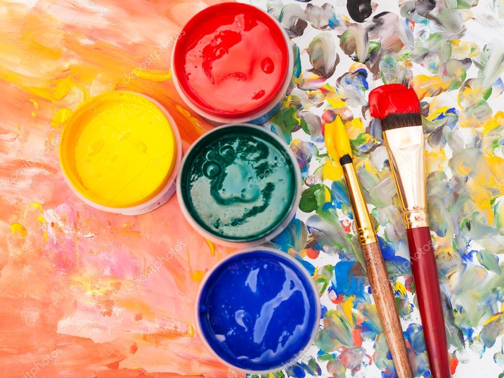 Naturaleza muerta paleta de acuarela pintura pinceles - Paleta de pinturas ...