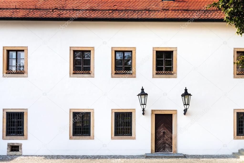 Gevel van de oude huis in kasteel van bratislava u stockfoto