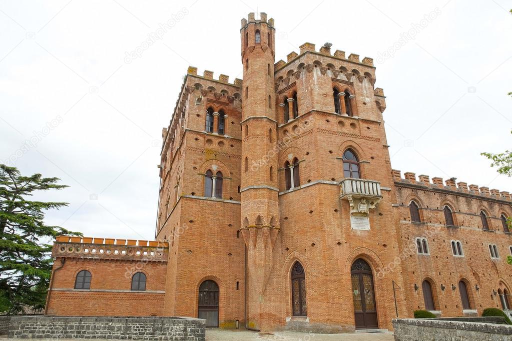 The Castello di Brolio, Gaiole in Chianti, Tuscany, Italy ...