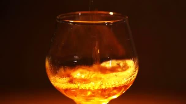 Cognac, brandy öntenek