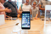 Apple iPhone 6 and iPhone 6 Plus sales starts