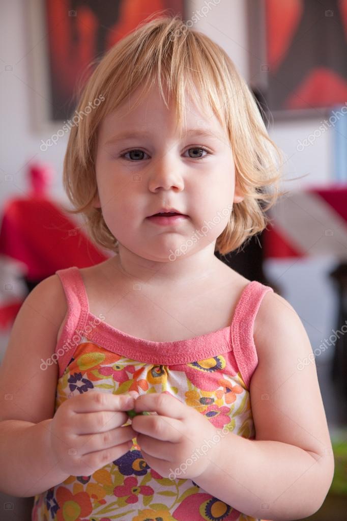 schweren Baby Schädel — Stockfoto © quintanilla #99950048
