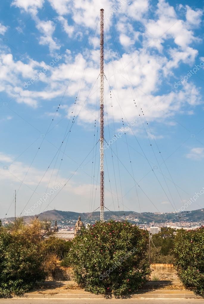 Broadcast transmitter antenna — Stock Photo © Rhombur #57089429