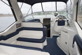 Fotografie Innere von einem Motorboot