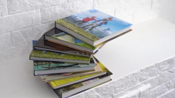 foto knihy jsou na polici, foto album