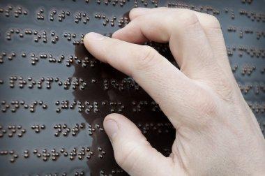 Braille tactile font