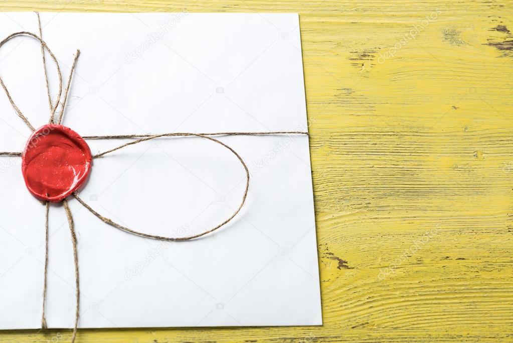 vitt kuvert med vax t u00e4tning  u2014 stockfotografi  u00a9 khakimullin