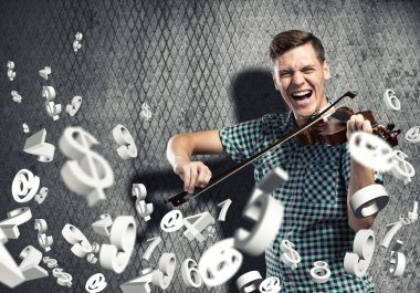 Man violinist in casual