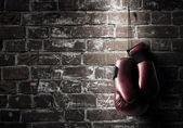 Boxerské rukavice visí