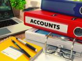 Red Office-Ordner mit Inschrift Accounts.