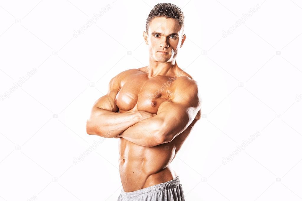 Сильные мускулистые парни