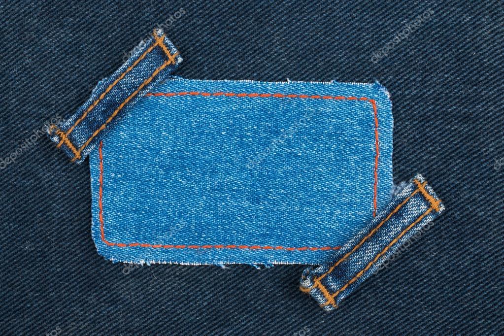 Rahmen, Tag, Preis mit zwei Riemen Jeans, liegt auf der dunklen ...