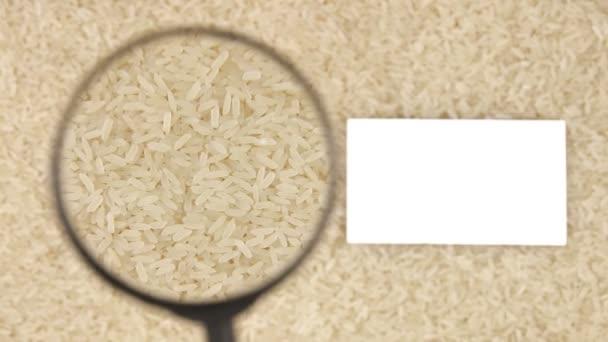 Nagyító növeli a rizsszemek és névjegykártya számára van hely a szöveg