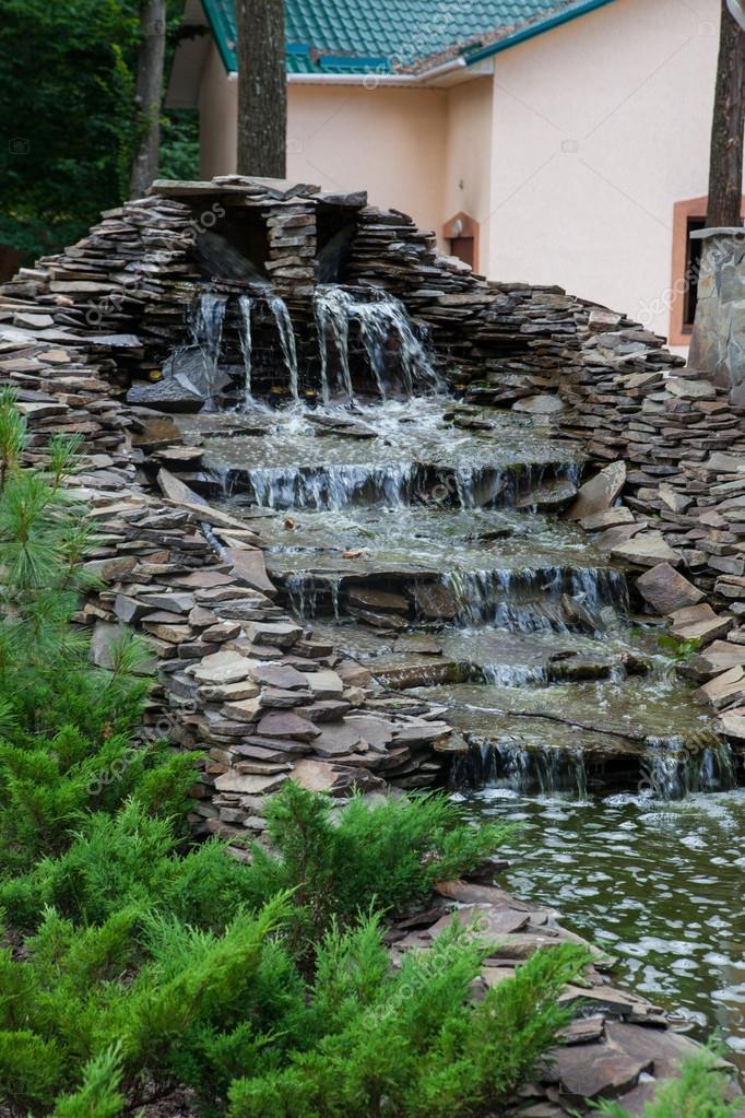 vattenfall till trädgård