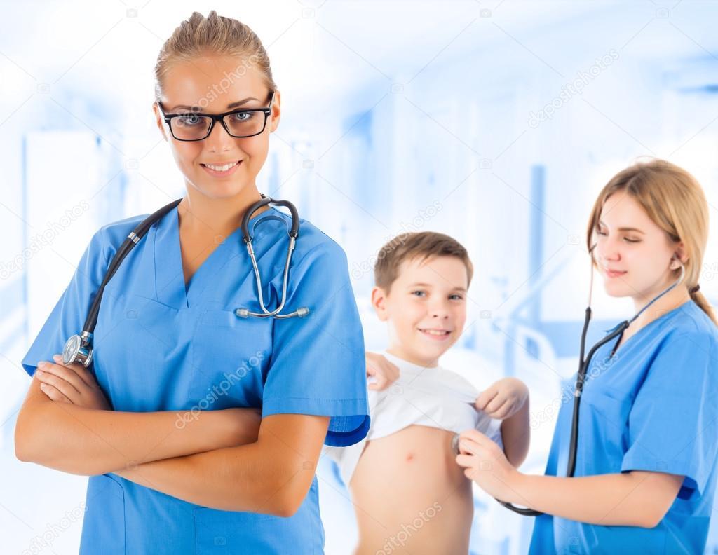 Медицинский осмотр девушек