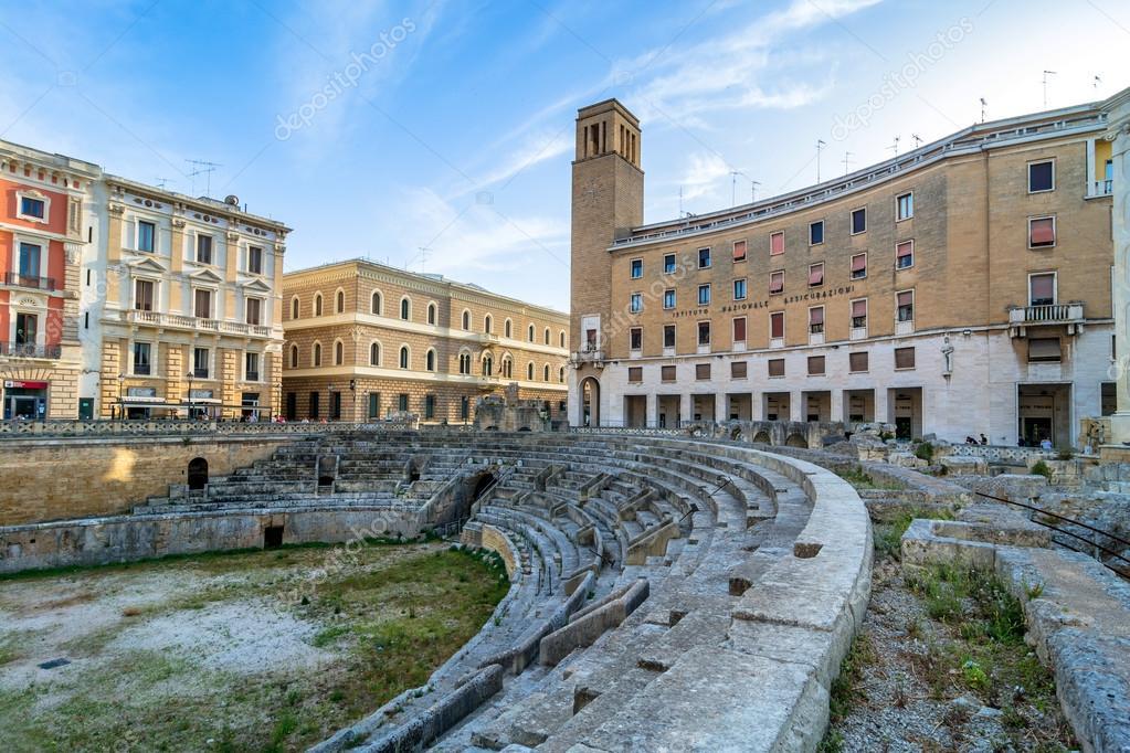 lecce italien ramisches amphitheater in stockfoto landkarte