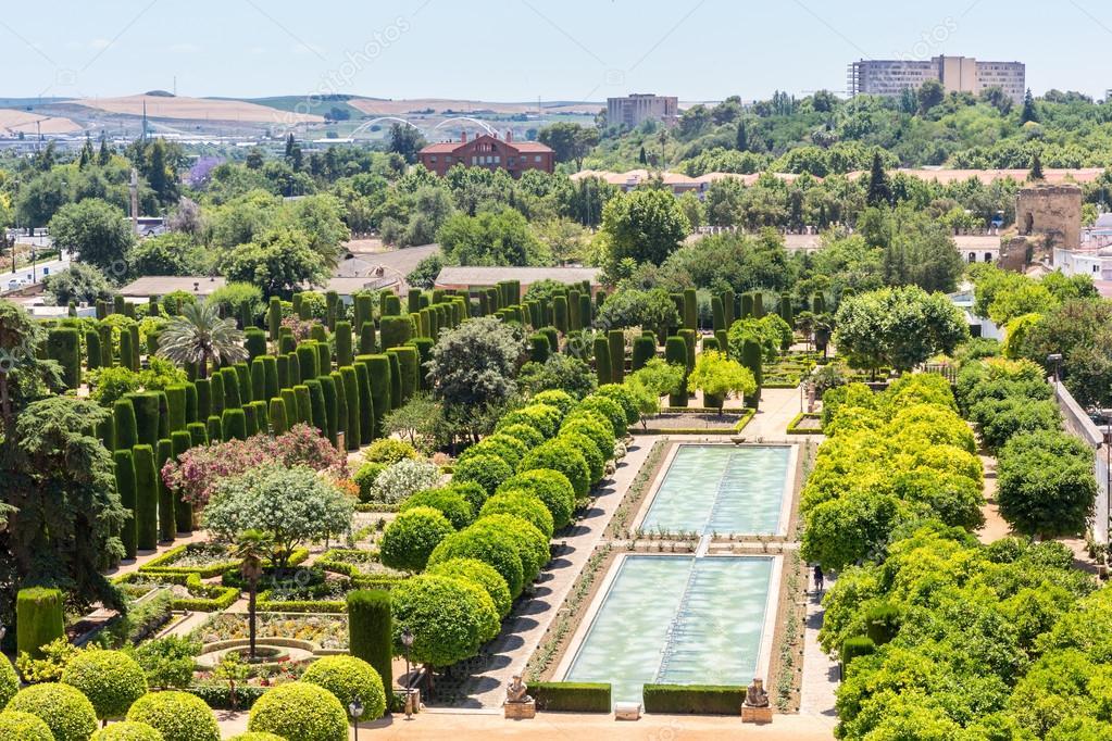 Jardin De Estilo Arabe En Cordoba Fotos De Stock C Vichie81 76752699 - Jardin-arabe