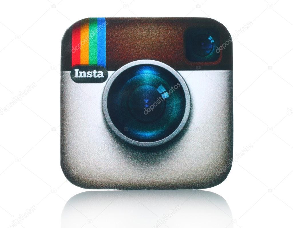 Fotocamera Di Instagram Logotipo Stampato Su Carta E Posizionata Su