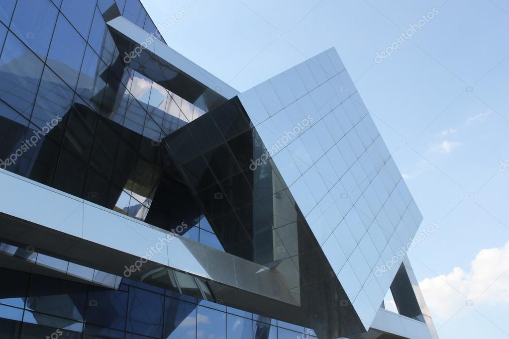 Moderne hoofdkwartier aluminium gebouw met glas ingang u2014 stockfoto