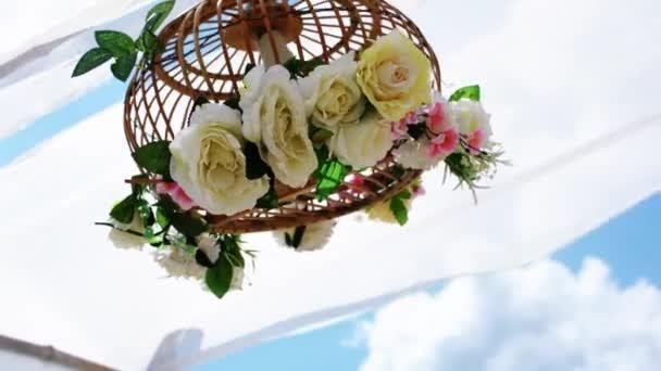Kwiaty W Altanie Huśtawka Z Nieba ślub Tło