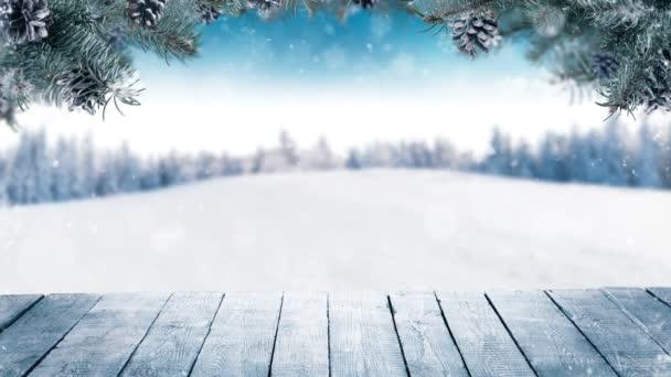 Zeitlupe fallenden Schnees mit Winterlandschaft und Holzplanken. Fallender Schnee Gefilmt mit High-Speed-Kinokamera, 1000fps. Foto der ländlichen Landschaft im Hintergrund.