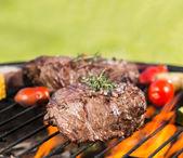 Fotografie Hovězí steaky na grilu