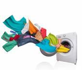Pračka s prací na bílém pozadí