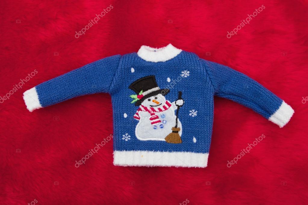 7171ad1a28 Fehér és kék hóember karácsonyi pulóver-piros plüss szőr — Stock ...
