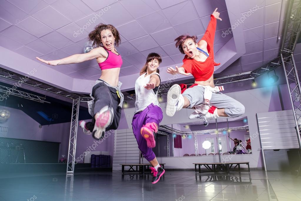 gimnasio baile — Foto de stock © val_th #58563781