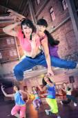 a nők a fitness tánc