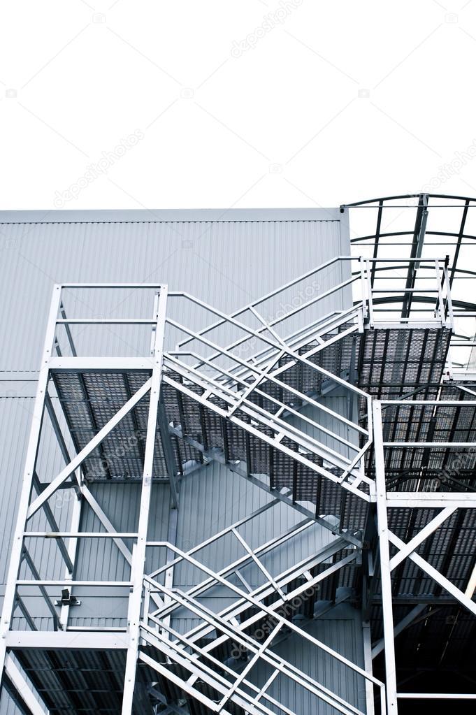 Detalle de escaleras exteriores foto de stock for Imagenes de escaleras metalicas