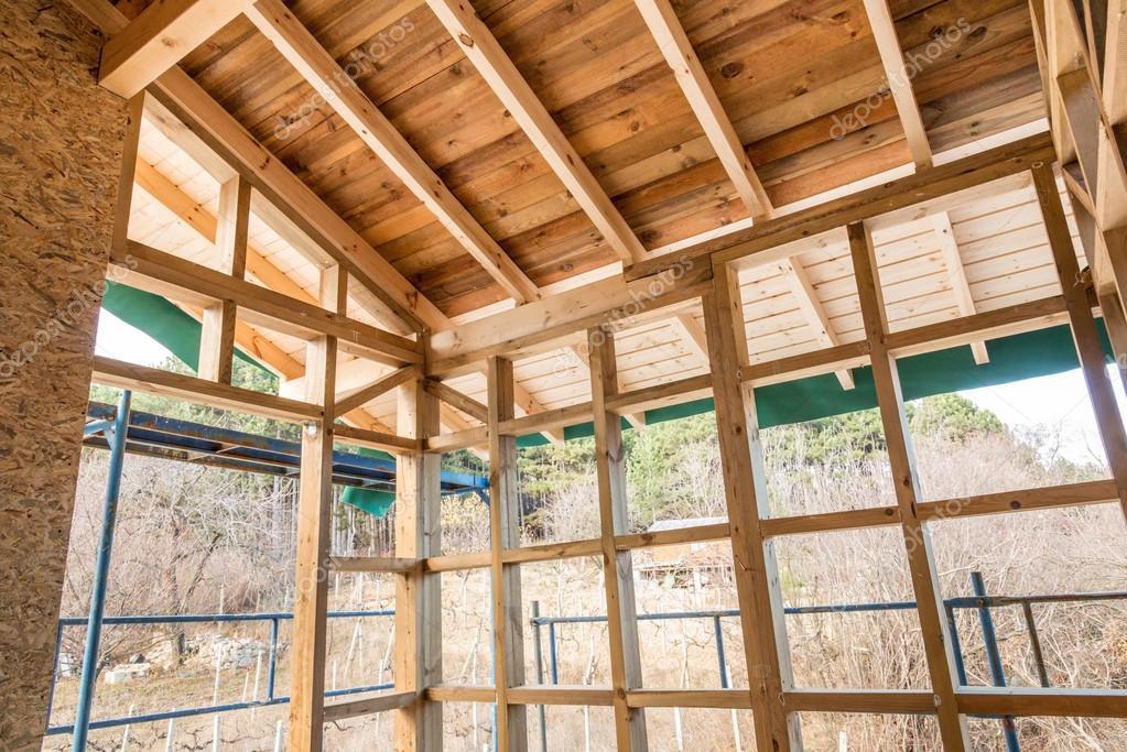 Een Nieuw Huis : Houten frame van een nieuw huis in aanbouw u2014 stockfoto © dimitrova