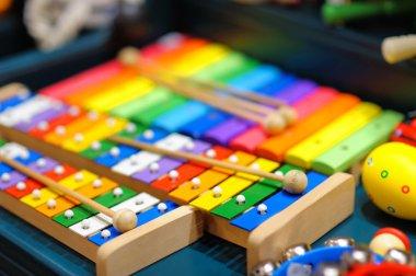 Few bright xylophones
