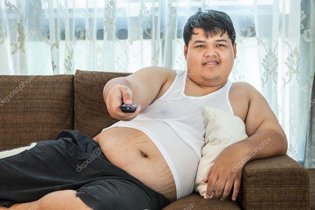 Парень парня на диване — photo 2