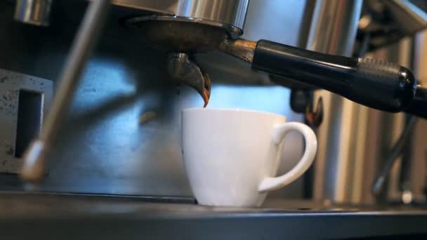 Espresso machine making coffee in the restaurant