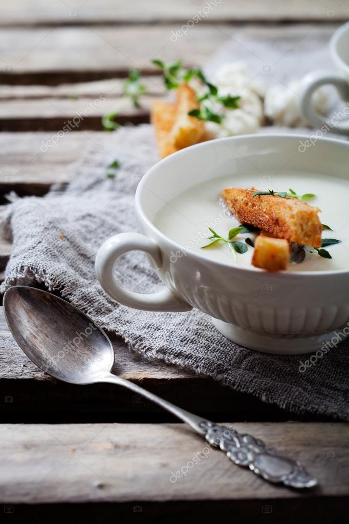 soup with toasted bread