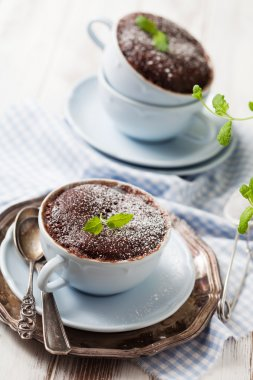 Chocolate cakes in mugs