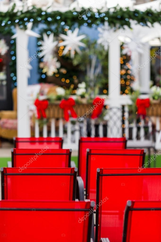 Weihnachts-Theater mit roten Stühlen — Stockfoto © urban_light #59065041