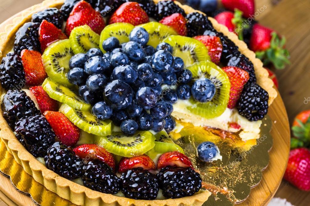 Frisches Obst Torte Auf Kuchen Stehen Stockfoto C Urban Light