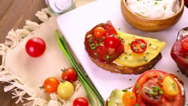 Heirloom Tomatoes sandwiches