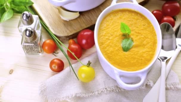 Pečená rajská polévka s bio dědictví rajčata