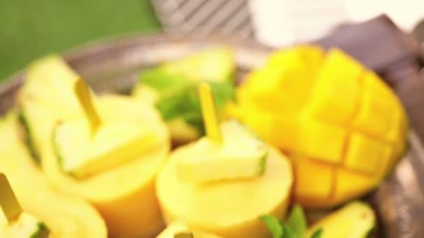nanuky s manga a ananasu