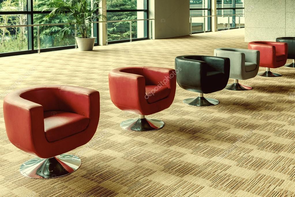 Modernes Interieur Buro Sofa Einer Halle Stockfoto C Redstone