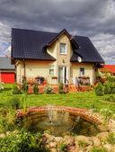 Vorort-Haus mit Garten