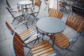 sedie e tavoli in metallo ristorante